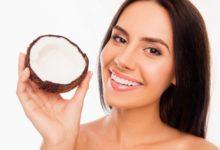 Photo of Tẩy trắng răng bằng dầu dừa với 5 công thức đơn giản