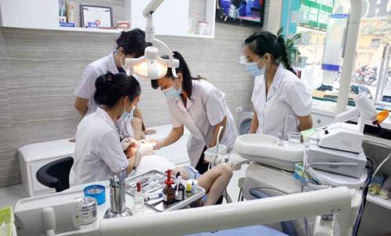 Địa chỉ tẩy trắng răng nha khoa Bạch Mai