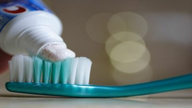 Photo of Khám phá cách tẩy lông chân bằng kem đánh răng thú vị và tiện lợi