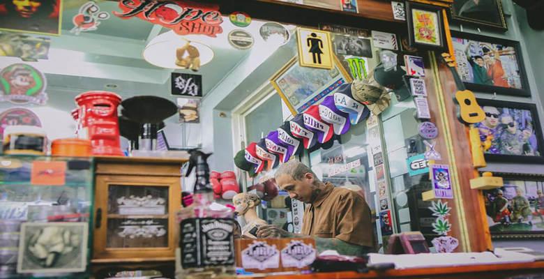 Liêm Barber Shop được biết đến là salon tóc có phong cách nổi bật, ấn tượng