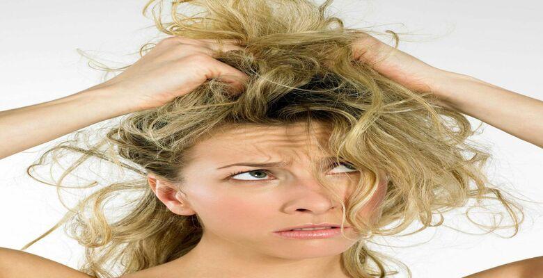 Photo of Mách bạn cách chăm sóc tóc uốn bị khô với các nguyên liệu đơn giản