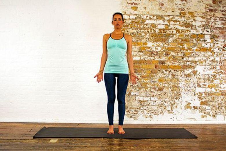 Bài tập Yoga Tadasana (Mountain Pose)