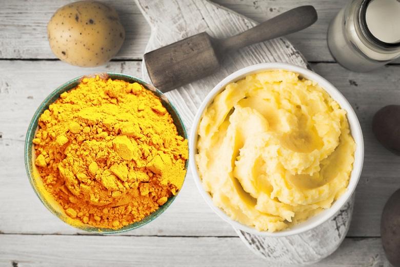 khoai tây và bột nghệ
