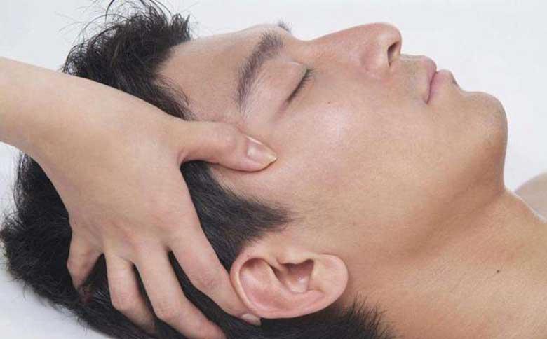 Thường xuyên bấm huyệt Thái Dương giúp giảm căng thẳng, mệt mỏi