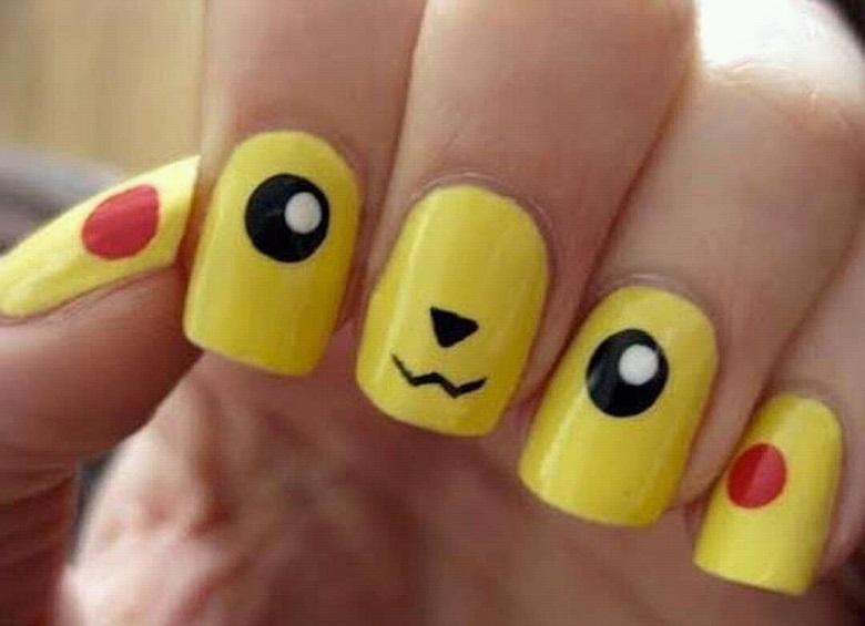 Mẫu nail hình pikachu