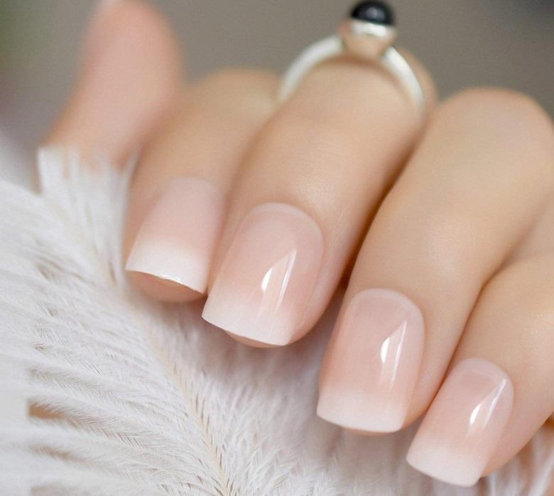 Mẫu nail đầu móng trắng