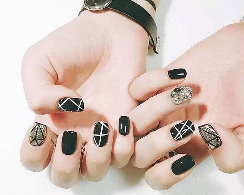 Mẫu nail đơn giản