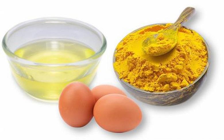 Trị mụn bằng trứng gà và nghệ
