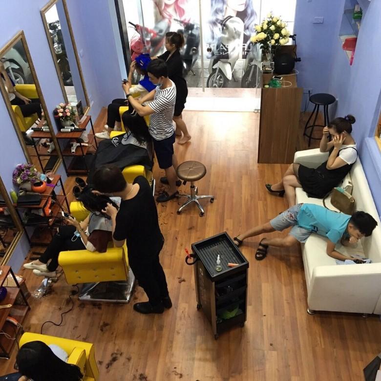 Không gian tiệm Salon Hair Box