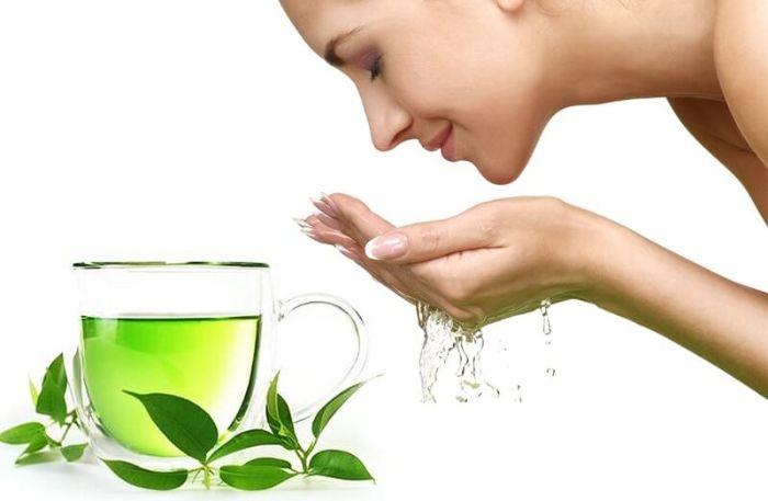 Lá trà xanh dùng để hãm trà và làm nước xông hơi