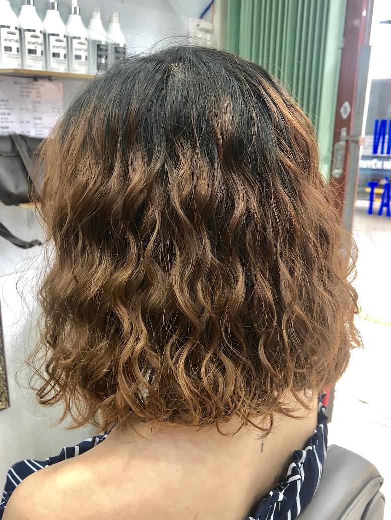 Lựa chọn màu tóc nhuộm tươi sáng
