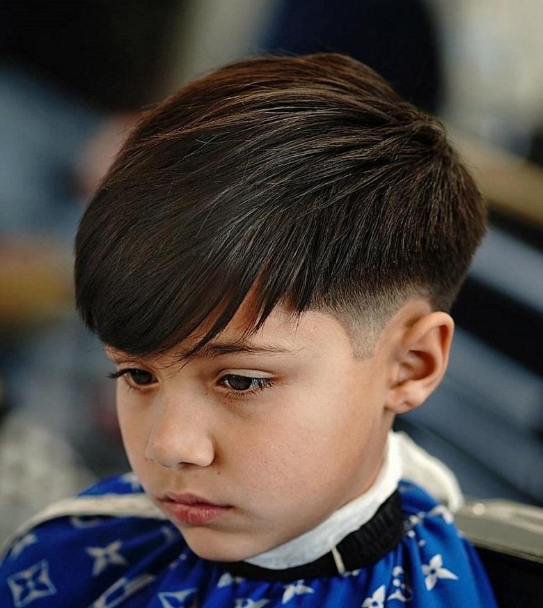 Undercut là kiểu tóc cho bé trai 4 tuổi được nhiều phụ huynh lựa chọn