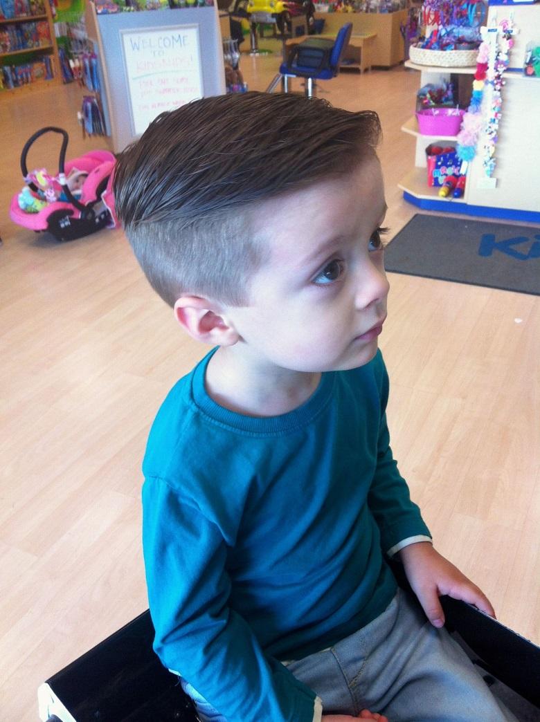 kiểu tóc cho bé trai ít tóc