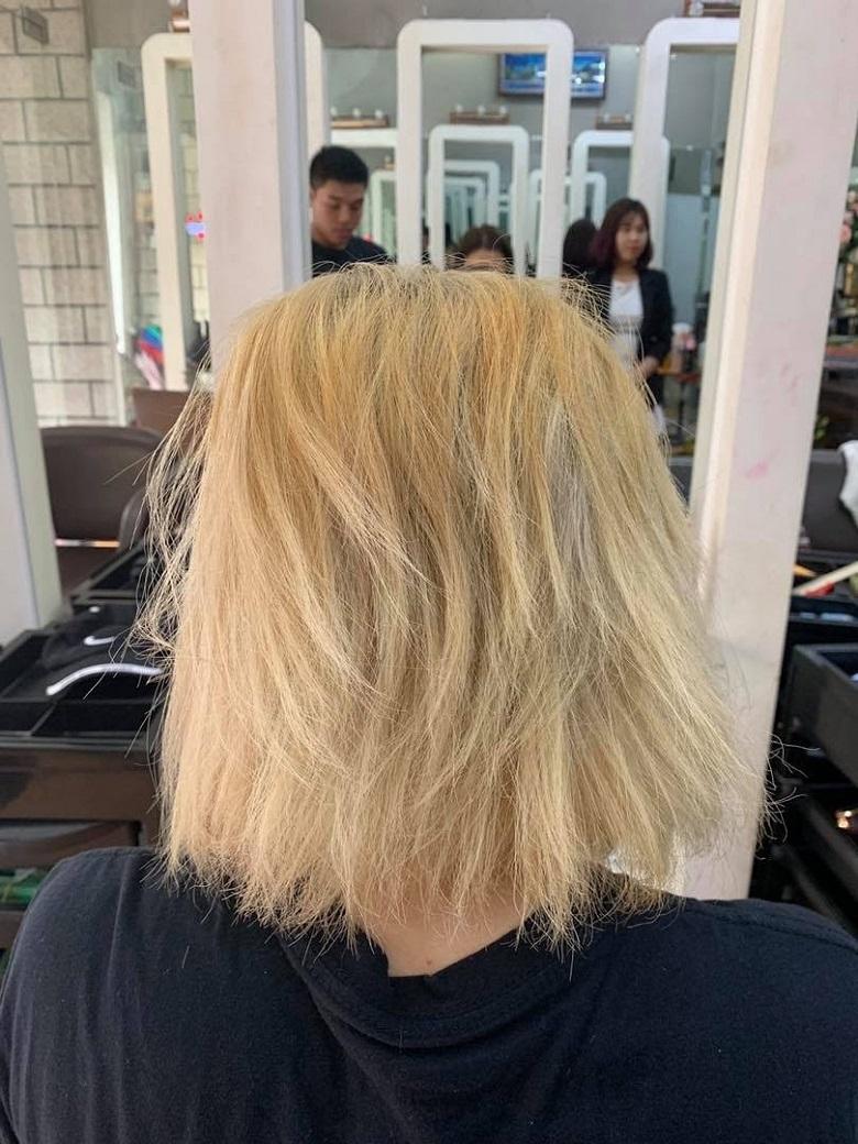 Một lần tẩy tóc, bạn sẽ không bao giờ có lại được mái tóc chắc khỏe như ban đầu