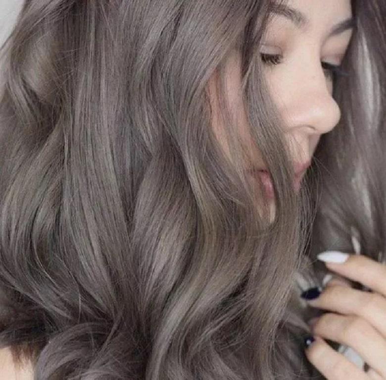 Màu tóc nâu khói tôn da cực tốt