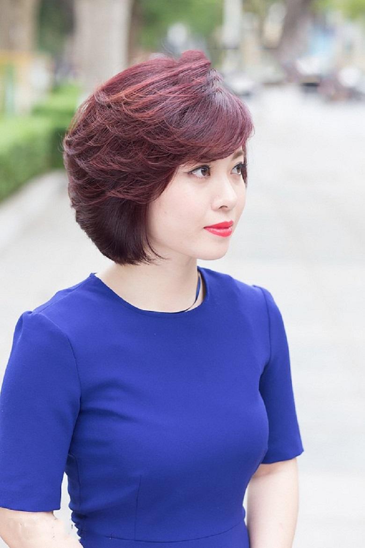 Kiểu tóc tém tạo vẻ trẻ trung hơn tuổi