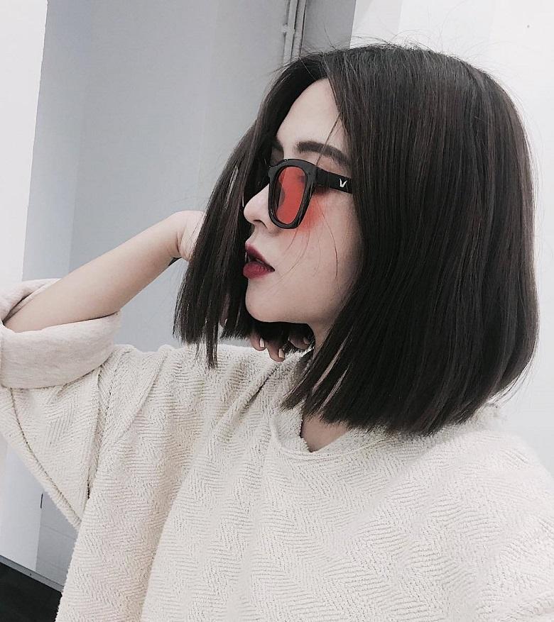 Kiểu tóc đơn giản mà tôn nét gương mặt đầy tinh tế
