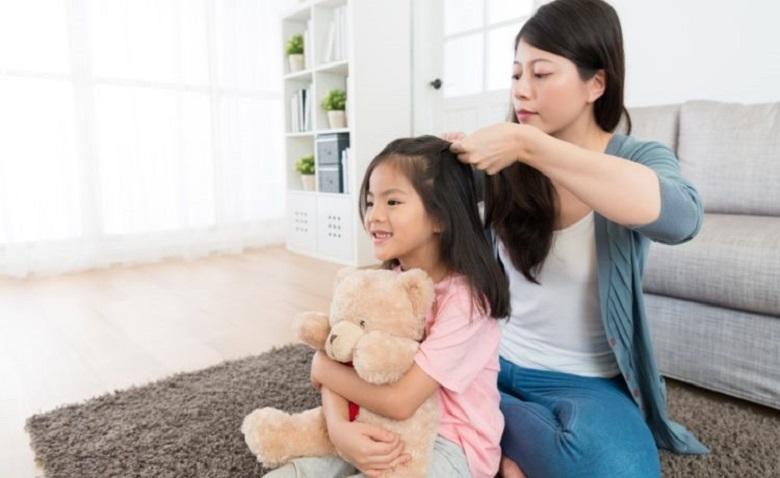 Chăm sóc tóc cho con nếu có sử dụng hóa chất