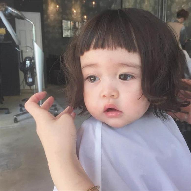 Kiểu tóc đem lại vẻ tinh nghịch, ngộ nghĩnh cho bé yêu
